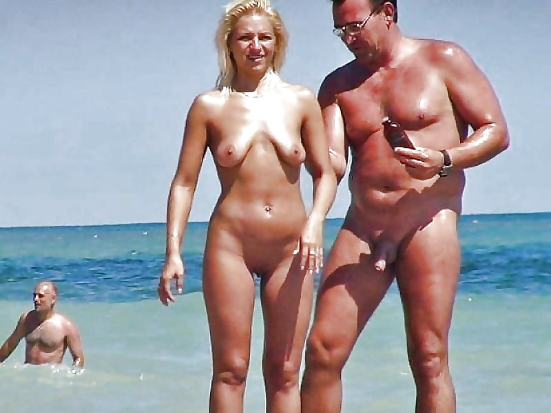Porn on public beach-4700