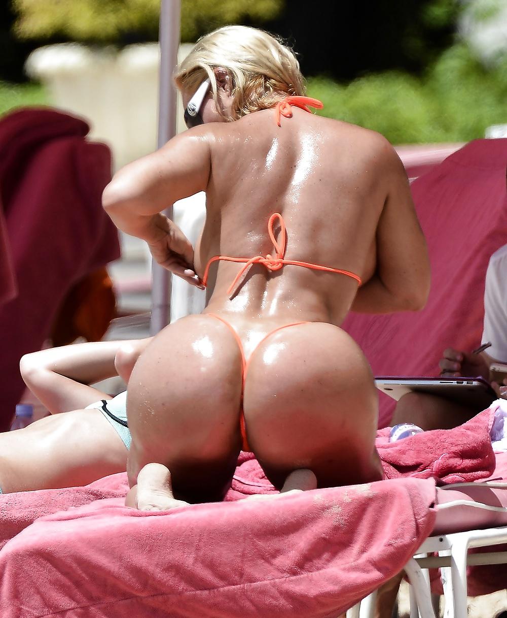 Coco bikini sex