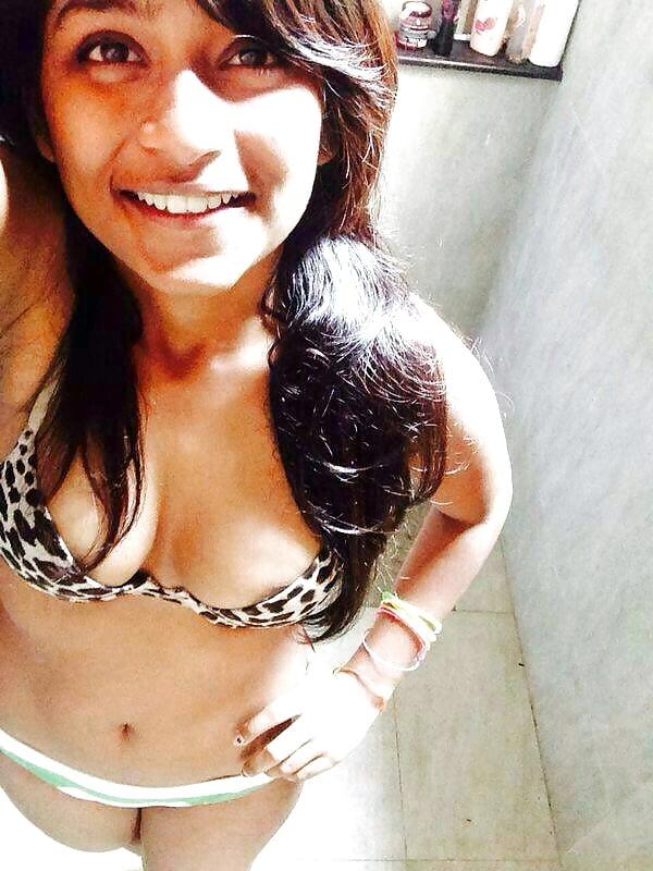 Akshara Gowda sex nude HD images