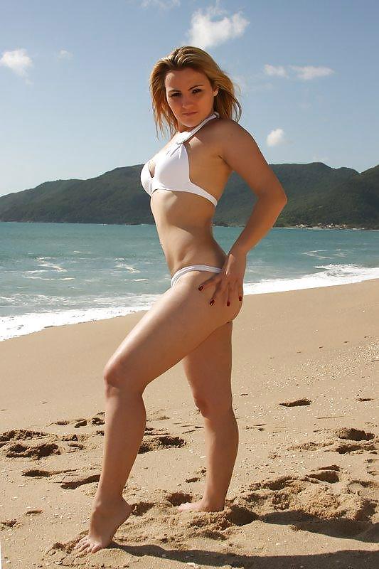 Sexy amateur nude and bikini sexy