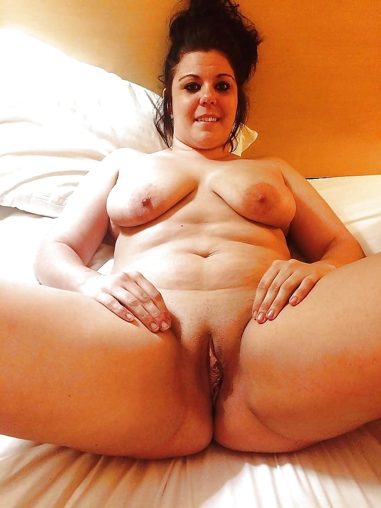 sexy-naked-chubby-moms