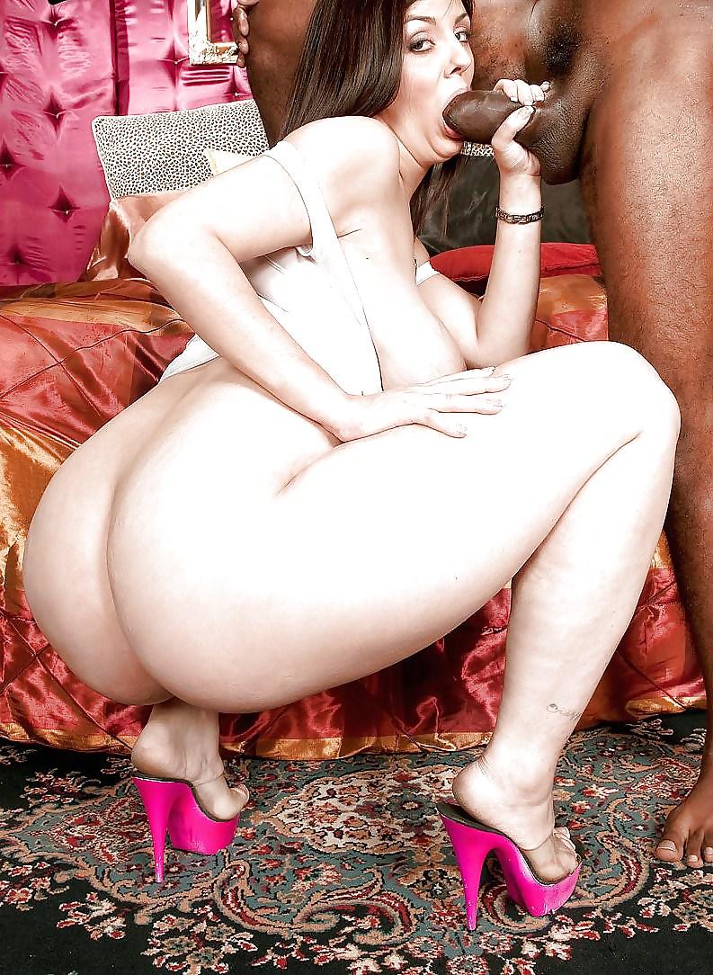 Русское порно большие бедра сосут член фото, как мужчина облизывает сиськи