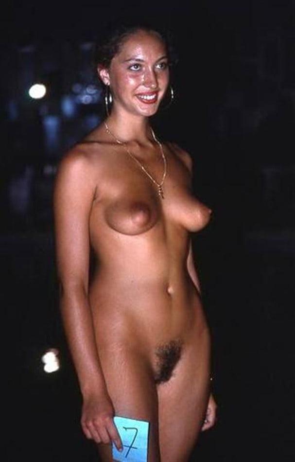 Hot Australian Nude Tasteful Images