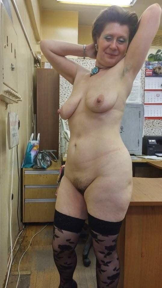 amateur voyeur boobs there