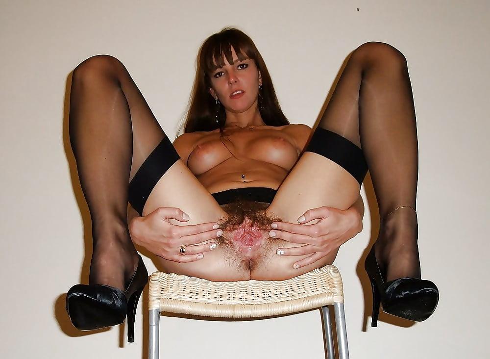 Фото пизды при разведенных ногах — pic 13