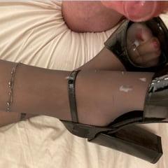 Cum On New Black Sandals