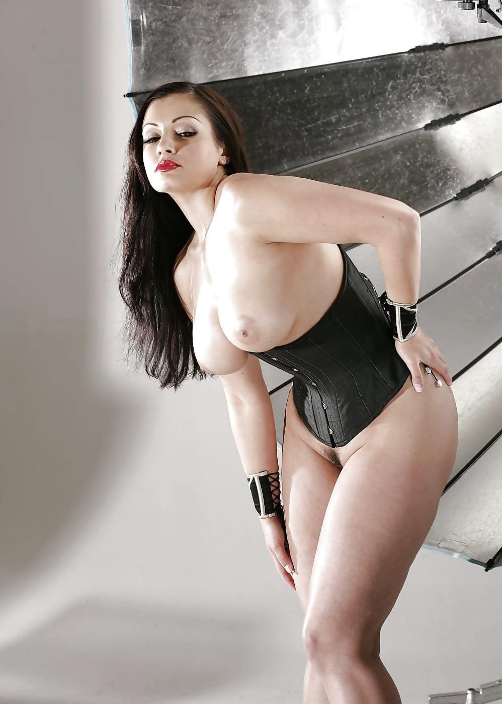 girls-aria-giovanni-chubby-nudes-opera