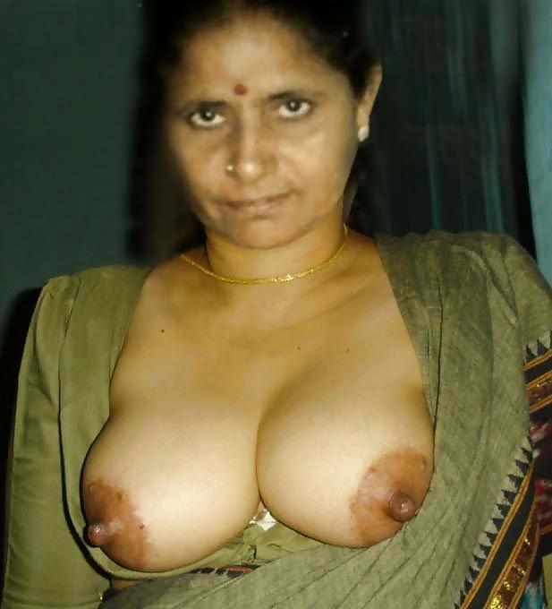 Mallu aunty breast naked