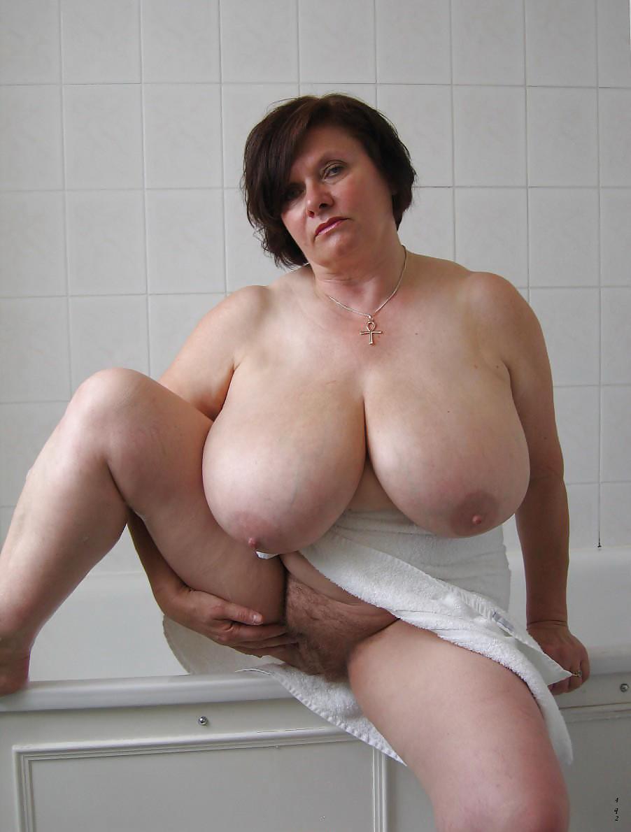 Huge melons chubby mature women — img 2