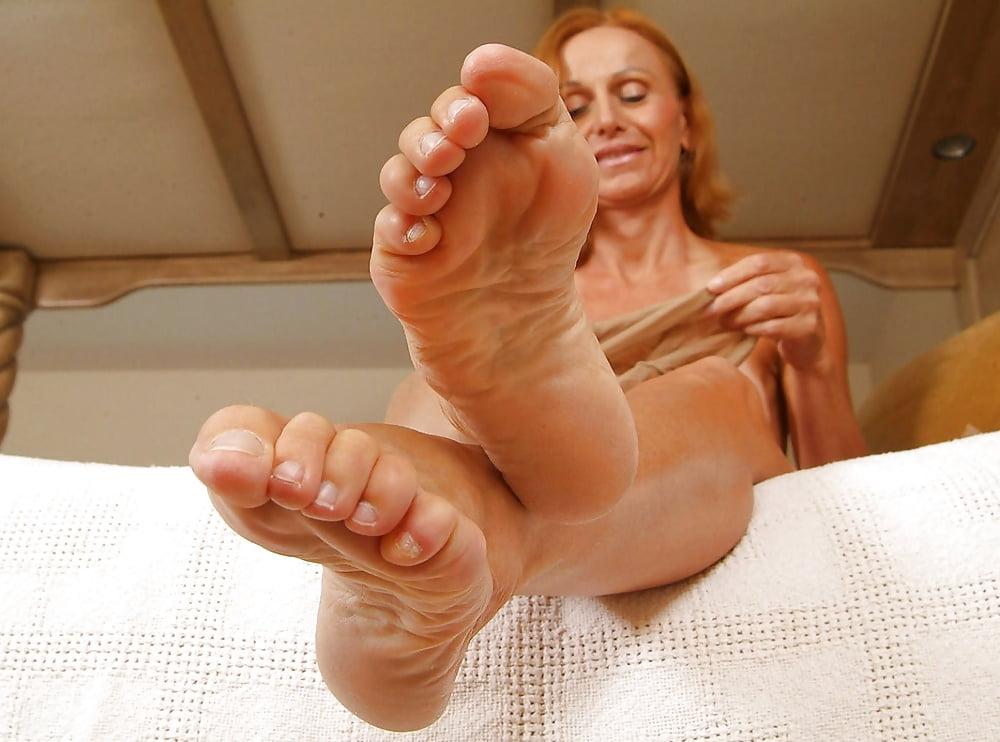 Mature feet movies — photo 13
