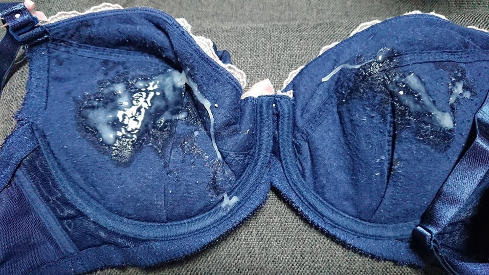 Cum on Bra and panties - 20 Pics   xHamster