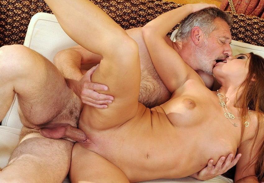 секс фото девушка и пожилой встала