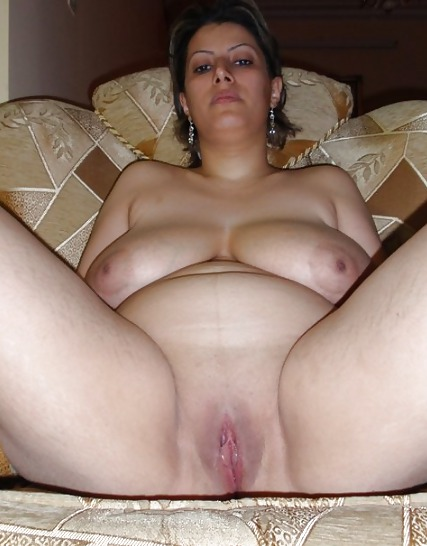 Mature arab show his pussy