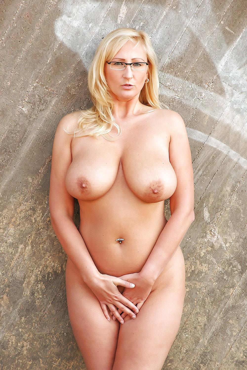 Wolfson cameltoe pictures of kathleen sullivan tits jovovich
