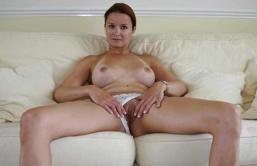 Amateur mature women solo 6