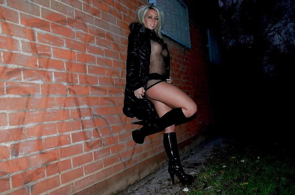 Уличная проститутка проститутки индивидуалки мулатки