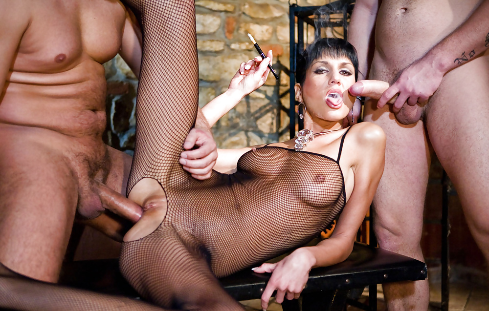 Sexy smoking porna stars in party, black girls meaty pussy