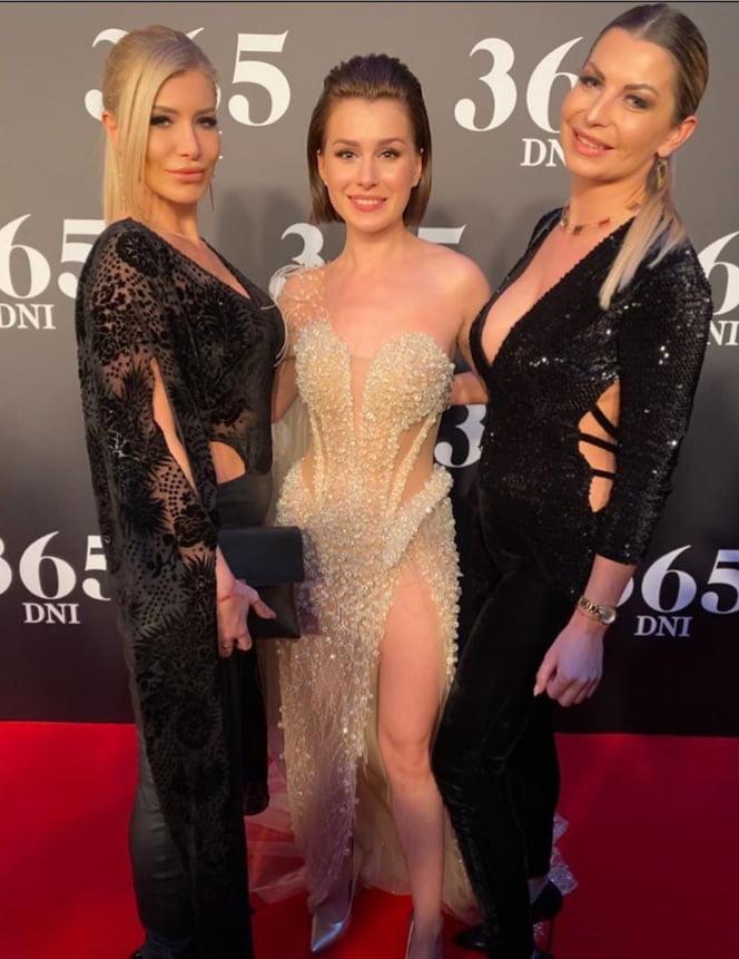 Hot blonde polish MILF with friends Joanna - 30 Pics