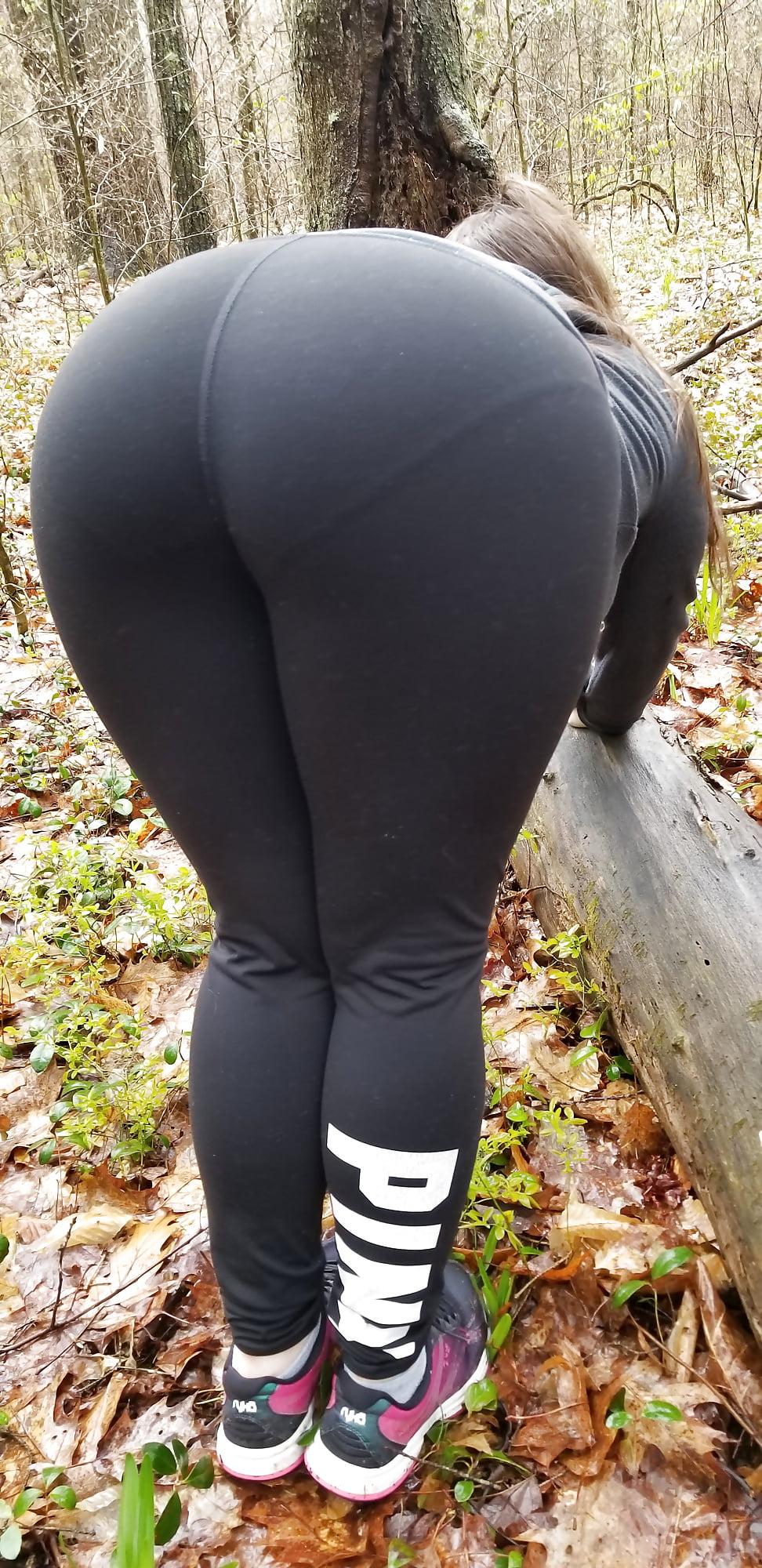 porn photo 2020 Sexy walking wife