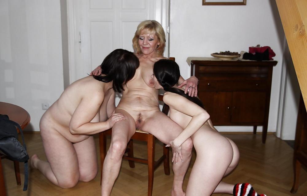 Mature teaches young lesbian