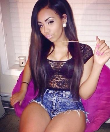 Dominican Latina babe very curvy hottie