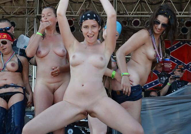 Nude girls rallies — pic 7