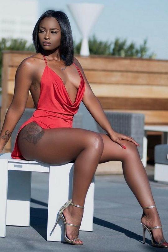 Ebony sexy legs — pic 11