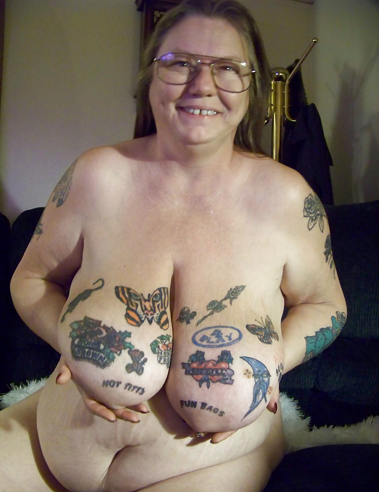 How do people view women with tattoos