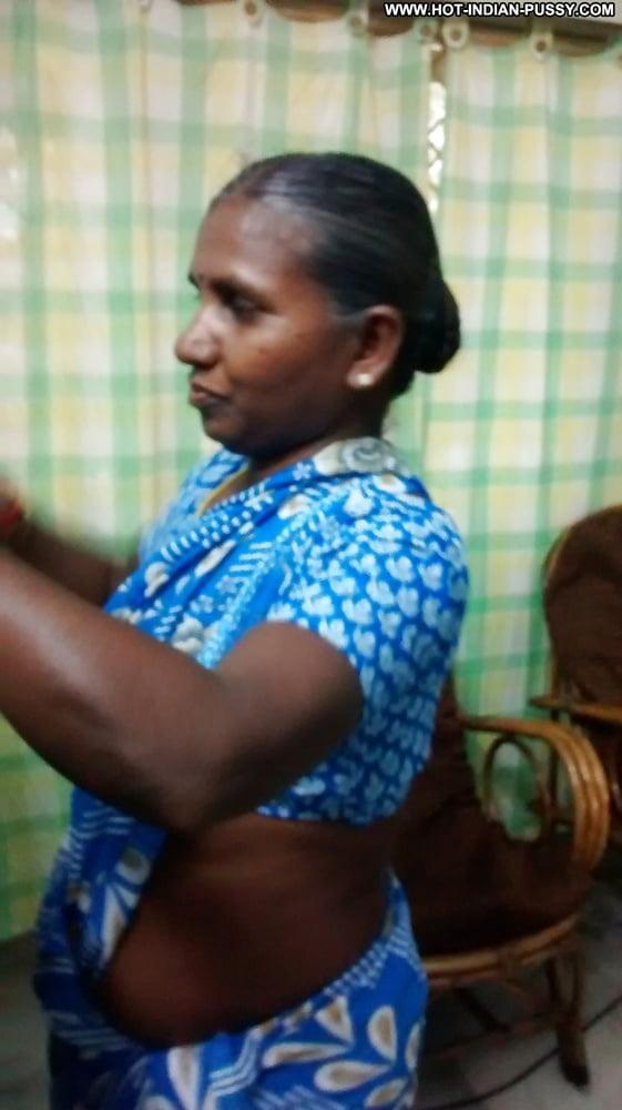 Tamil aunty faking
