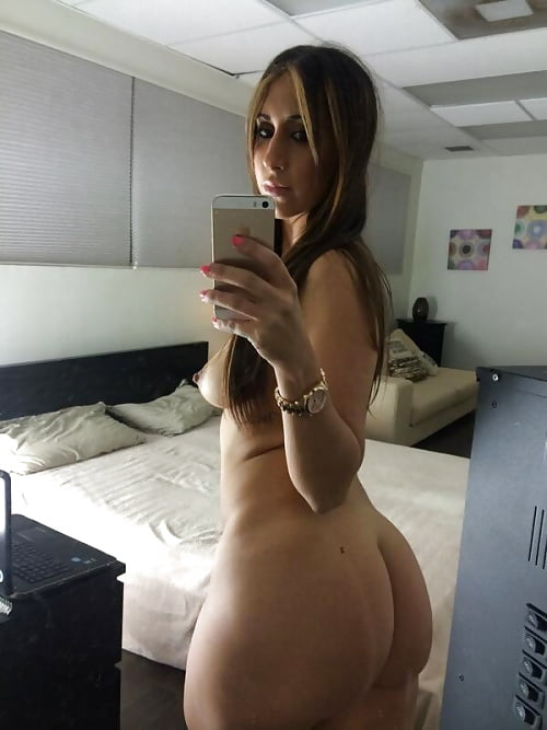 Naked big booty teen selfie 14