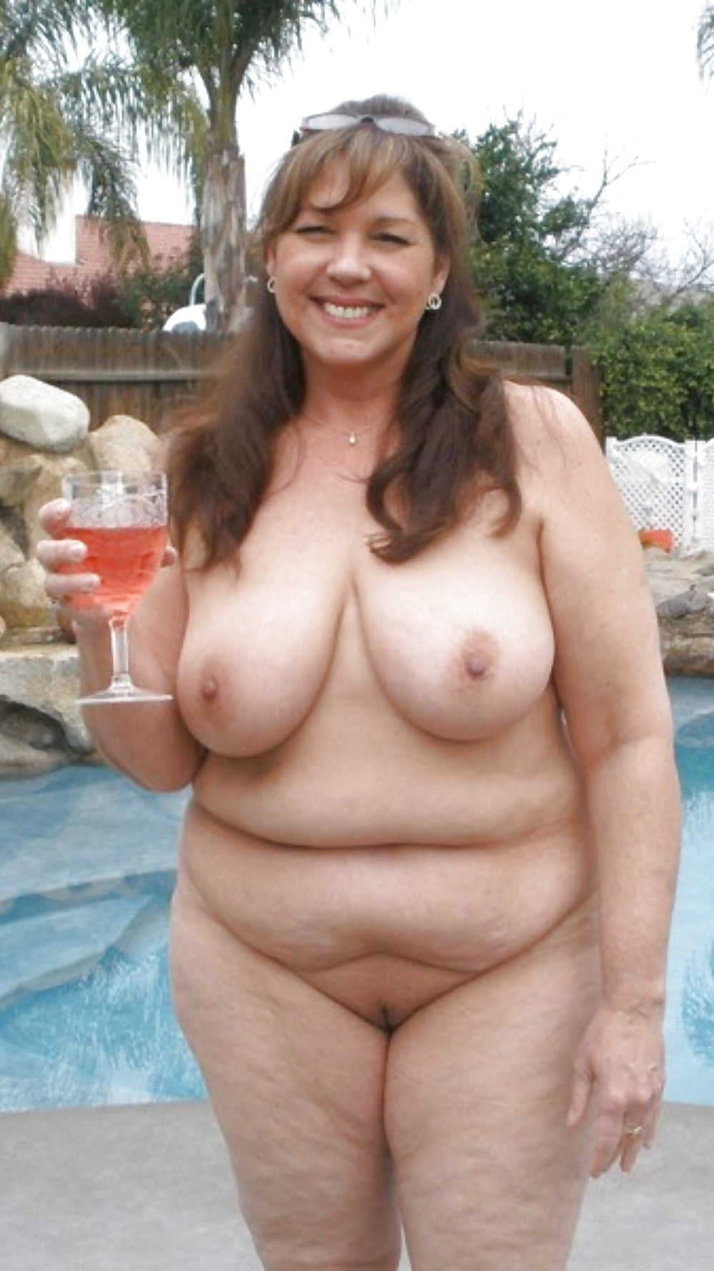 Superstar Naked And Curvy Pics