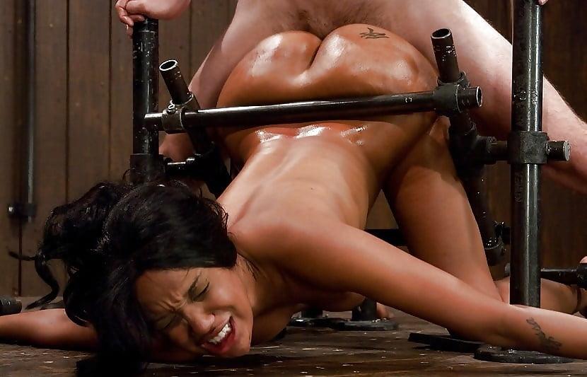 Girls fuck torture — photo 1