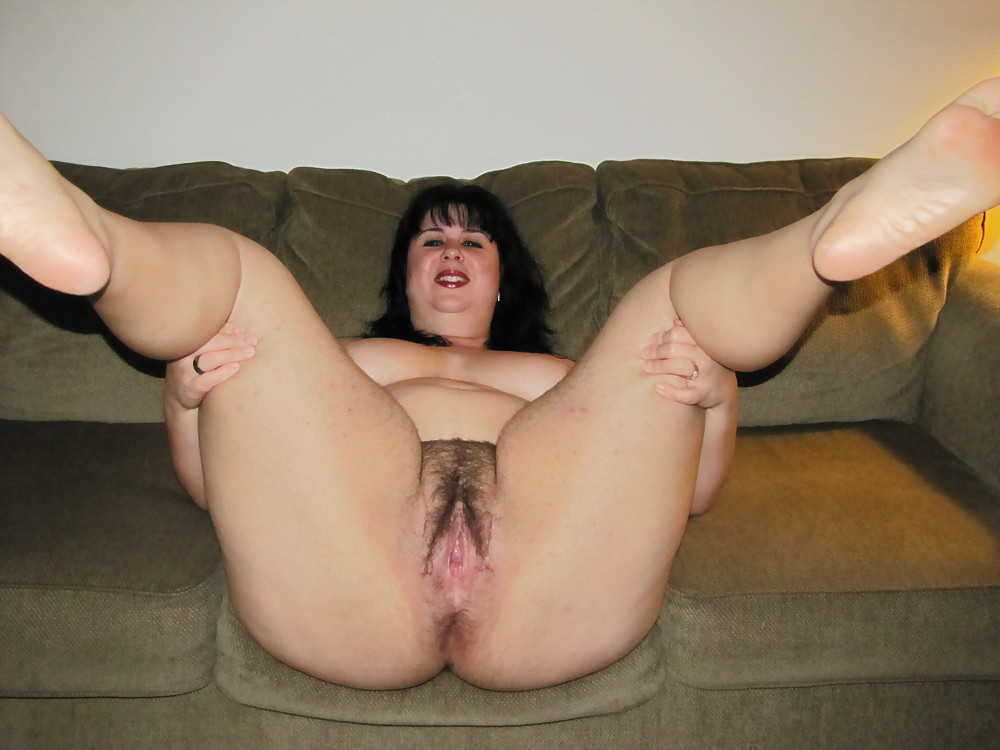 Порно очень толстая раздвинула ноги
