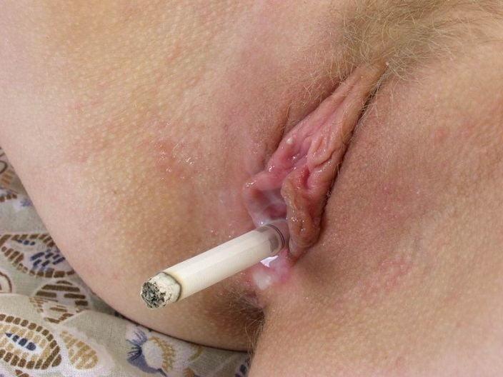 телка курит пиздой видео мужик жоска