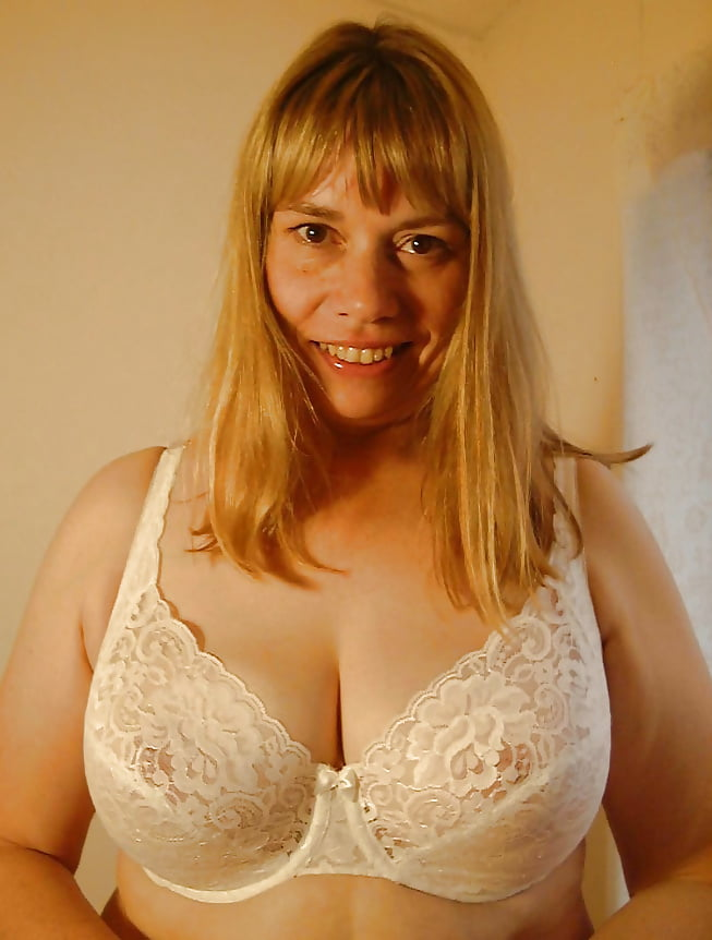 Стоны сексе частные интим фото девушки с обвисшей грудью круглые