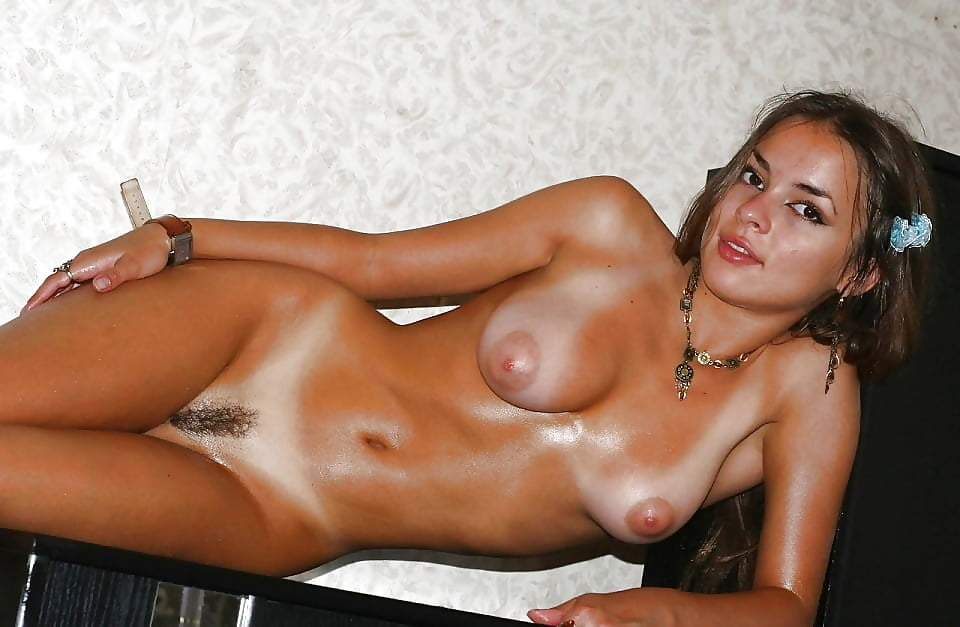 tanline-sex-apollonia-vanova-lesbian-nude