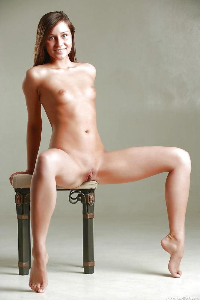 Naked cute girl pic-1848