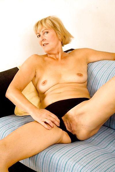 Older women mastabating-4621
