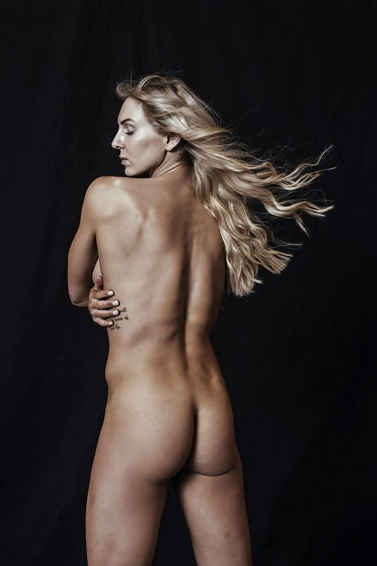 charlotte flair nudes