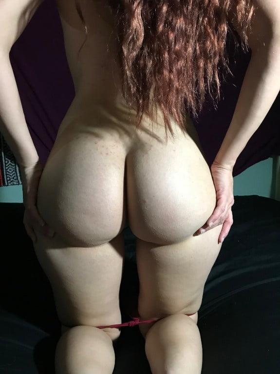 Big Booty B 2 - 8 Pics