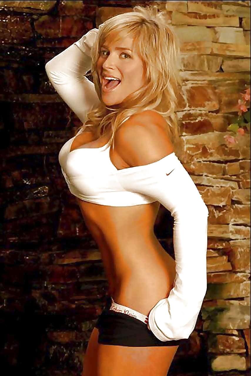 Natalya Neidhart Naked