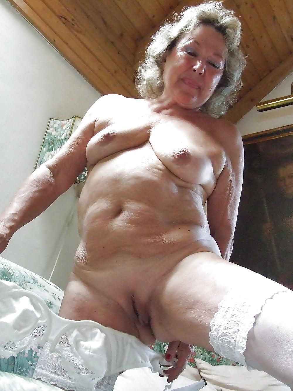 Bengali granny nude — pic 11