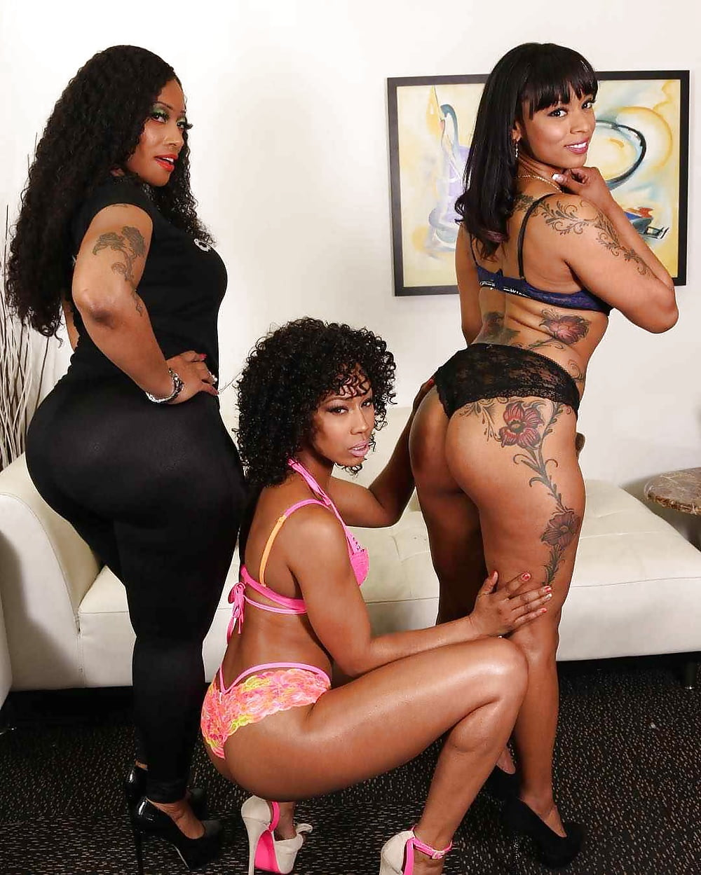 Ghetto booty amateur threesome