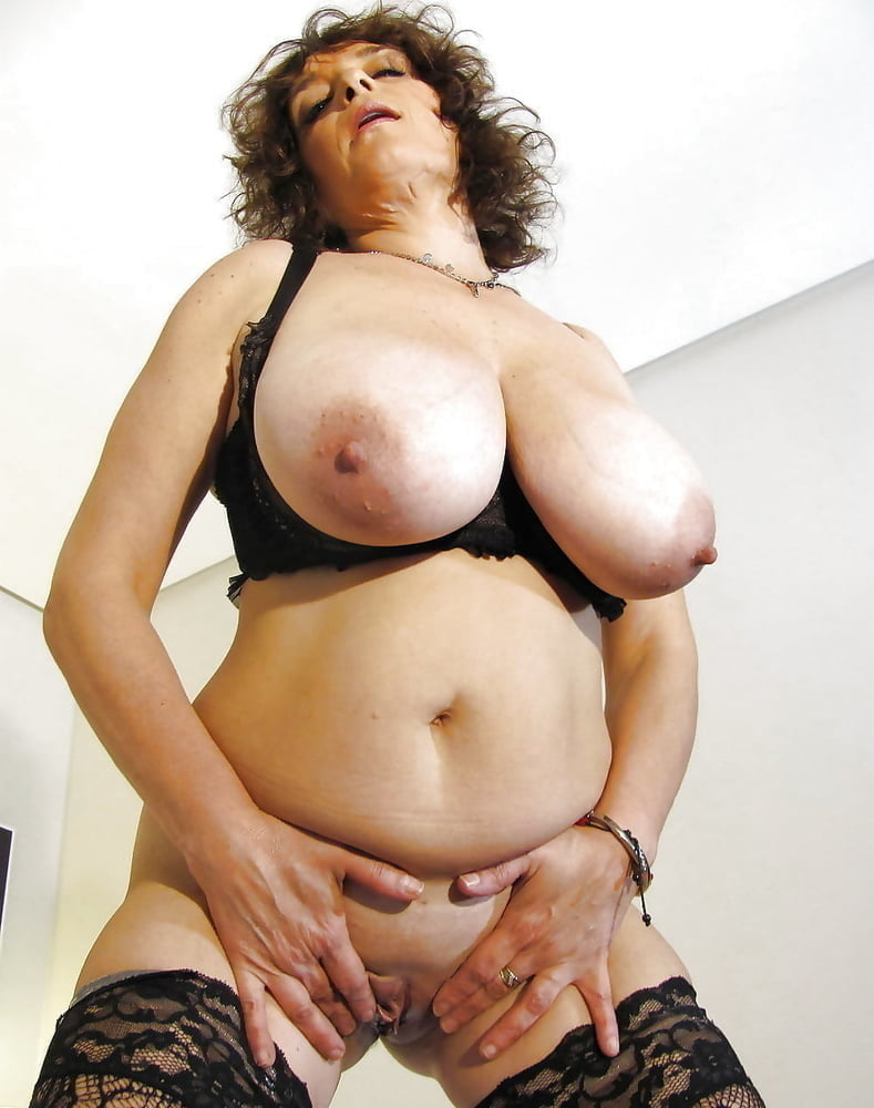 Xxx mature boobs gallery pic post — pic 4