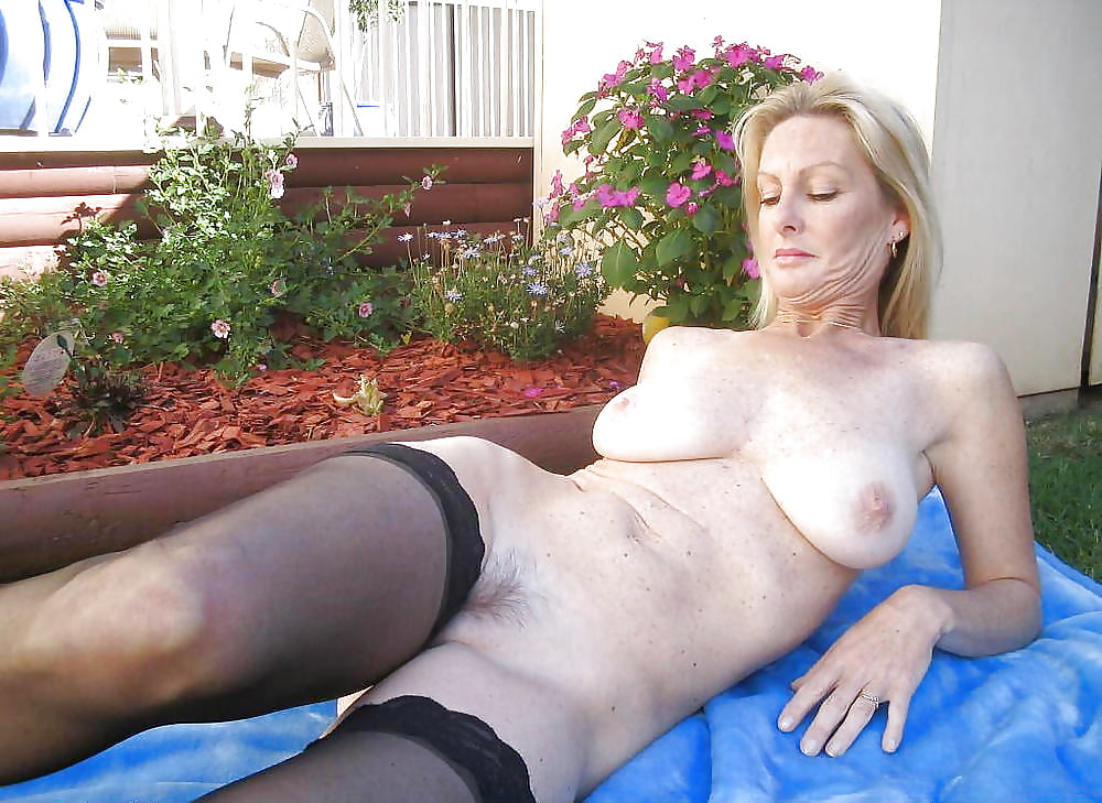 Pictures mature moms, hot country girls having hoy sex