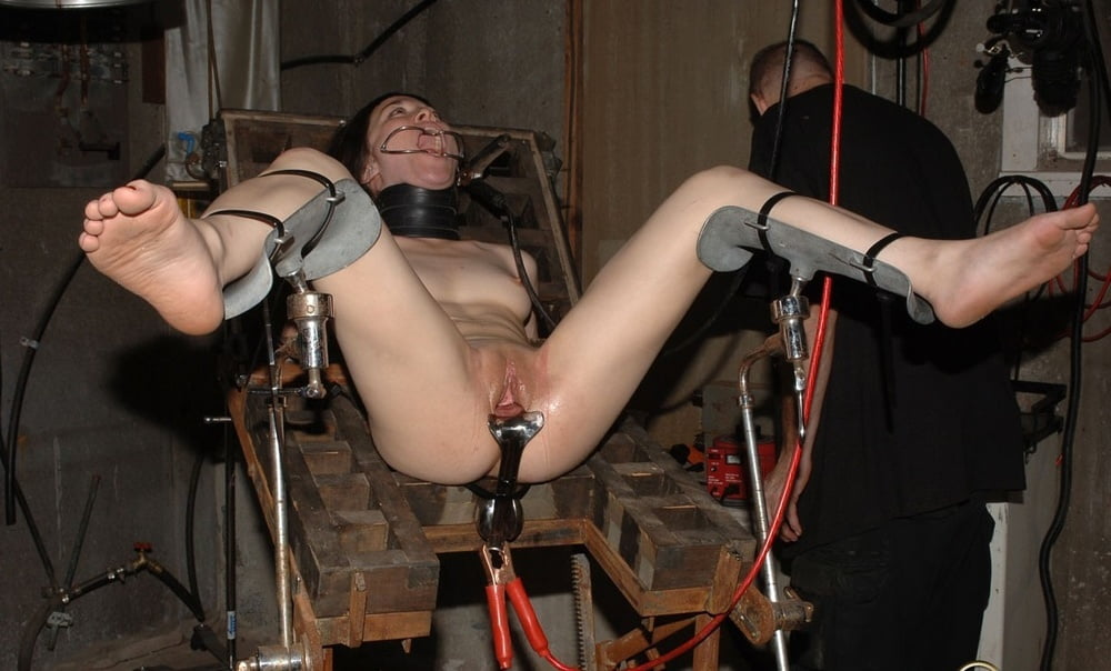 Extreme pussy torture porn pics