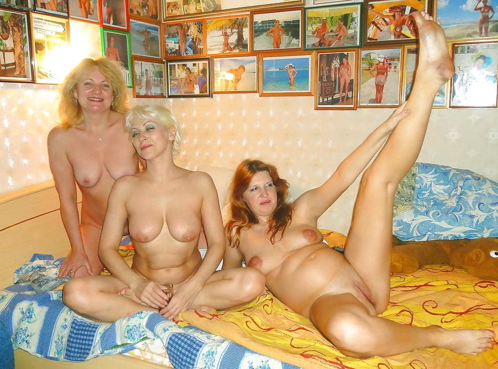Девушка знает голые зрелые женщины развлекаются видео кастинг писек