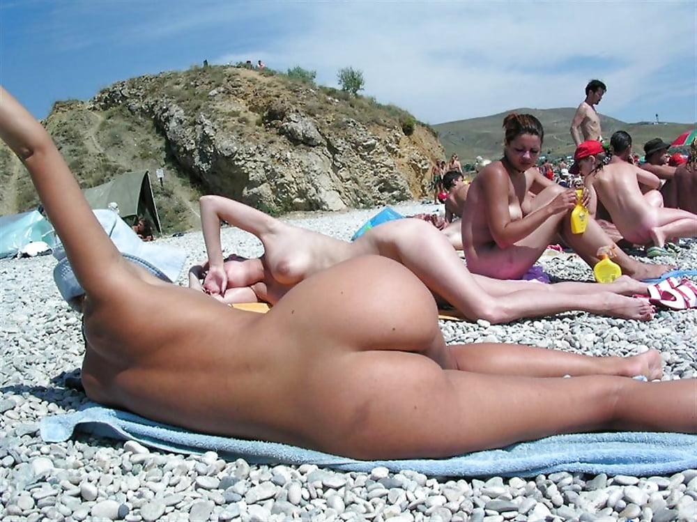 Порно фото с пляжей феодосия подборка, телку сняли на двоих