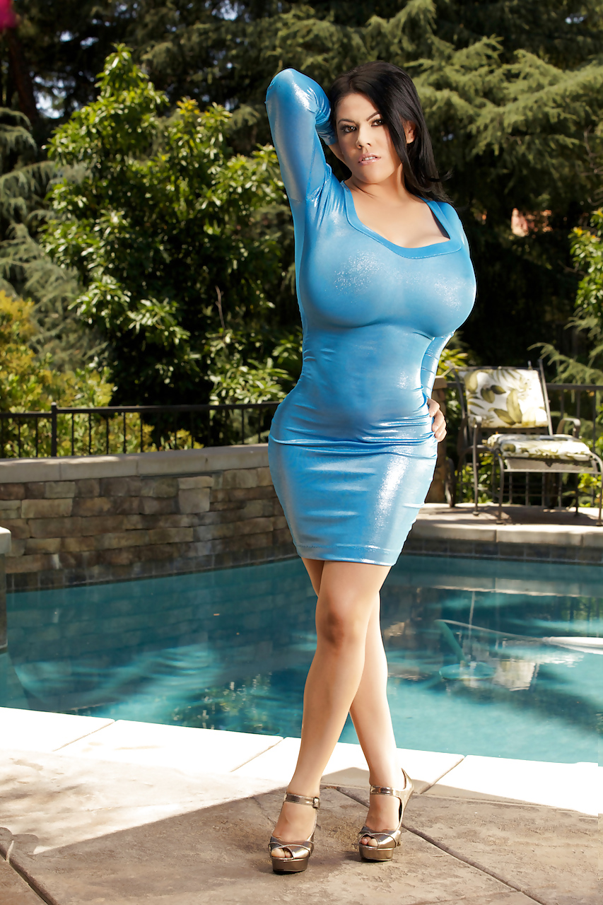 Busty babe ember reigns with big tits wearing blue dress playing with dildo