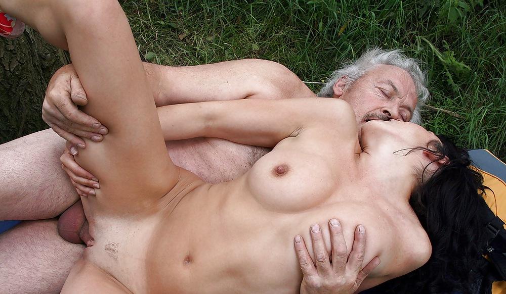 Фото секса старика и юной
